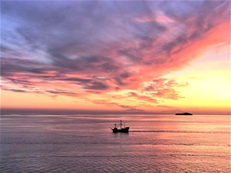 Five Reasons to Fall in Love with the Royal Sunset - Royal ...